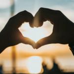 Как влюбить в себя человека - по науке, а не через приворот
