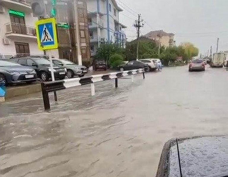 Бархатный сезон оказался подмоченным: в Анапе и Новороссийске потоп